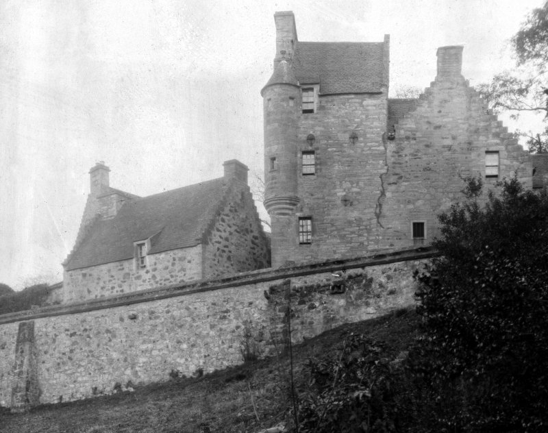 Stobhall Castle. General view from South East.