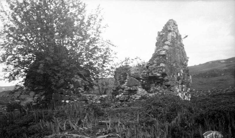 Skye, Skeabost Island Church and Churchyard. General view of ruin.