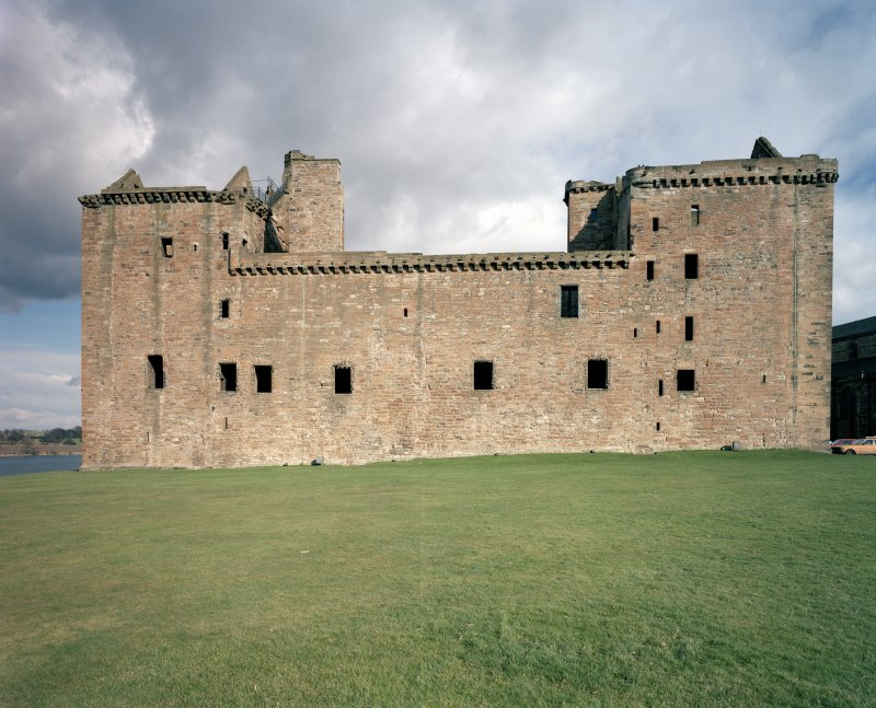 View of West elevation of Linlithgow Palace.