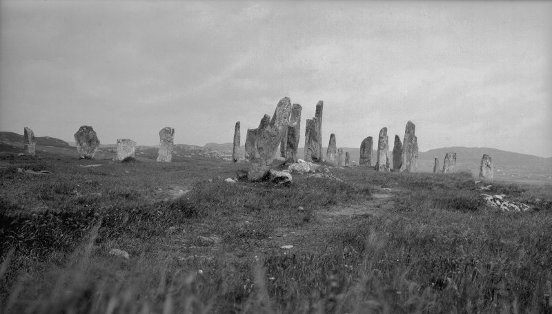 Callanish, circle and cross arms from south.