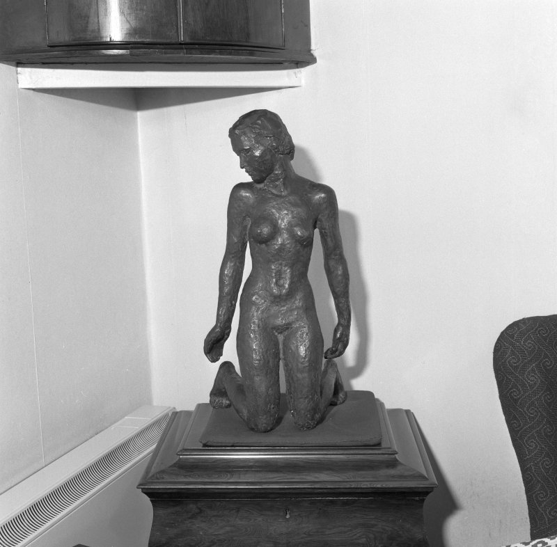 First floor, living room, small female sculpture, detail