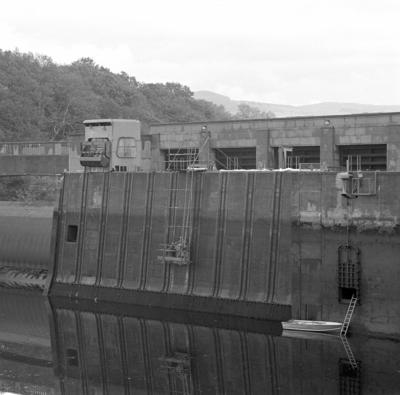 Detail of west face of power station and dam