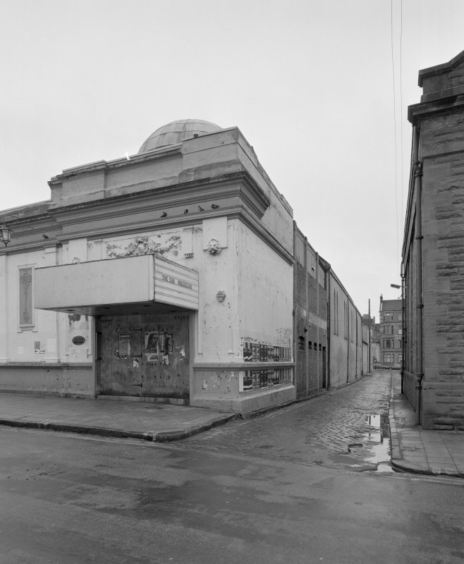 Glasgow, 17 Vinicombe Street, Hillhead Salon. General view from North of main entrance and West front.