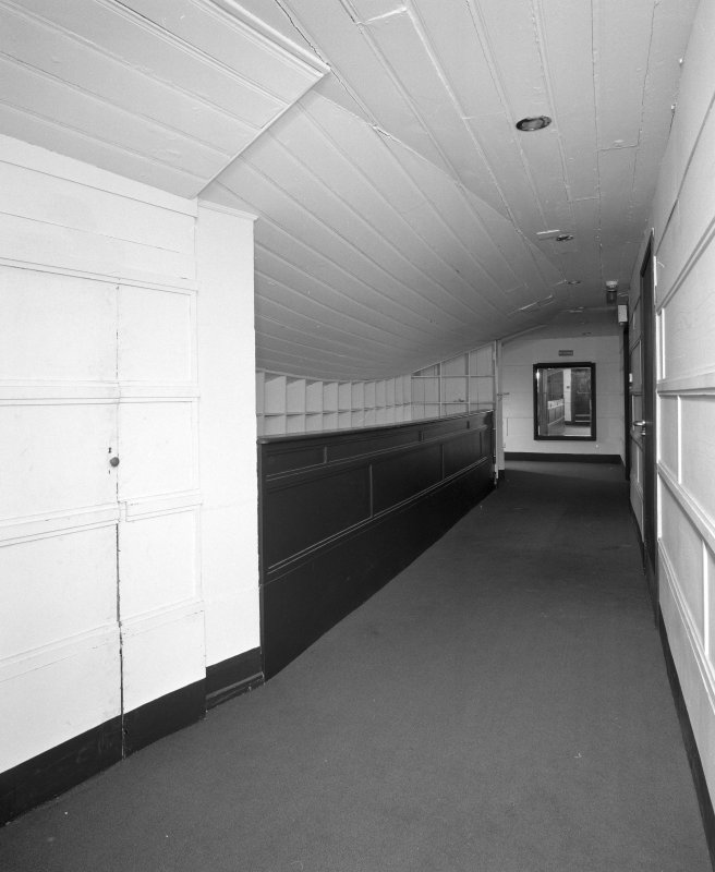 Entresol level, view of cloakroom area