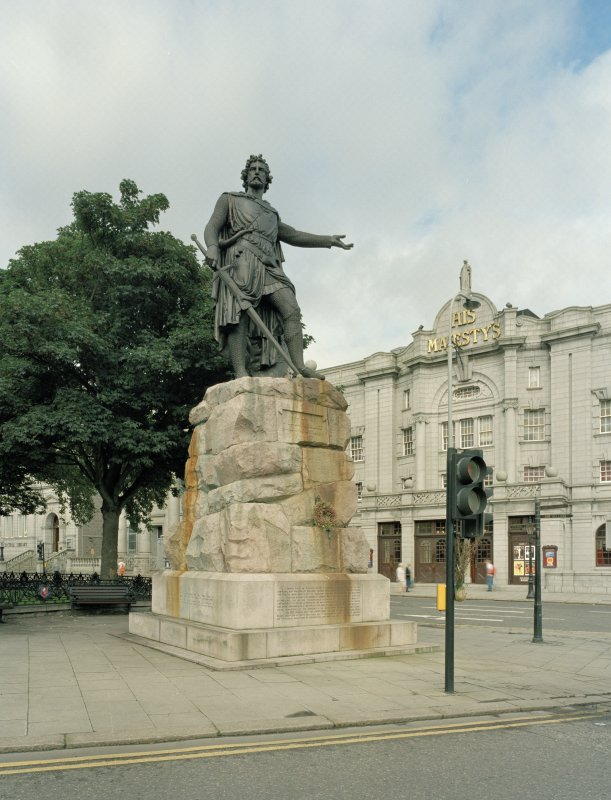 William Wallace statue by W Grant Stevenson 1888 at North West corner. View from North East