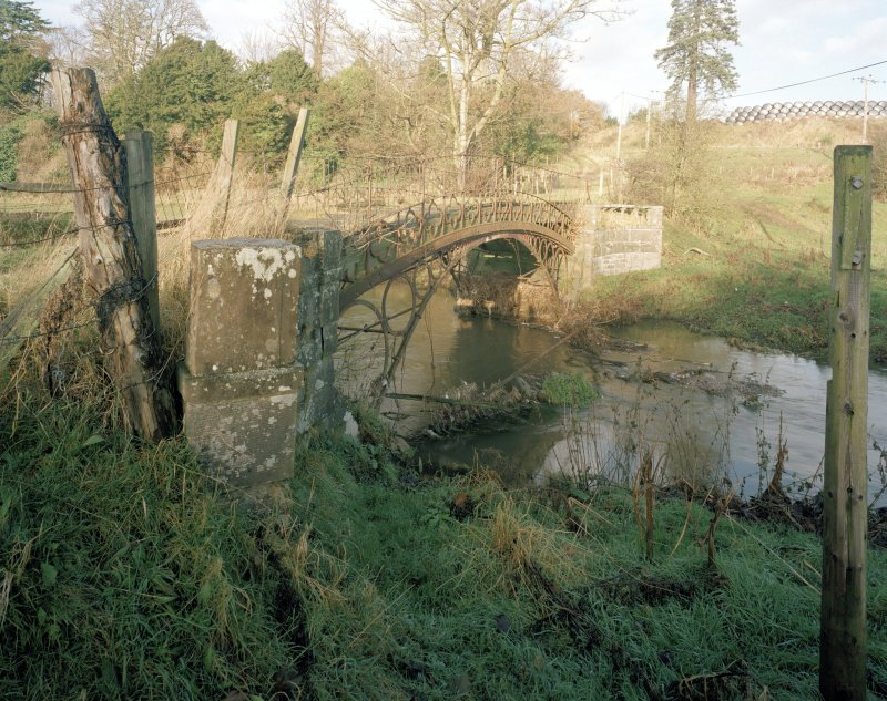 Linlathen East Bridge Oblique view of bridge from SE