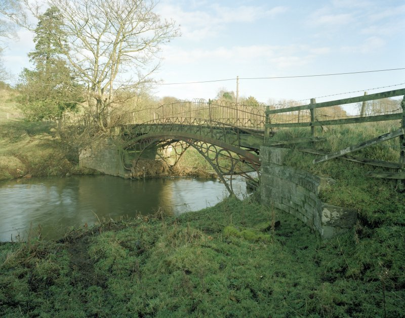 Linlathen East Bridge Oblique view of bridge from SW