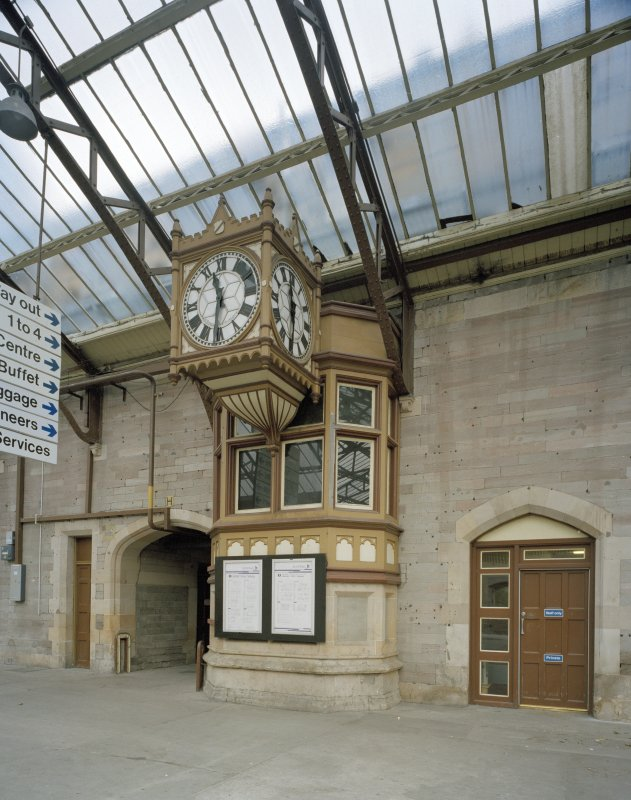 Perth, Leonard Street, General Station Platform 7:  detailed view of ornate station clock, situated on west facade of main offices, between platforms 8 & 9 (to north) and 5 & 6 (to south)