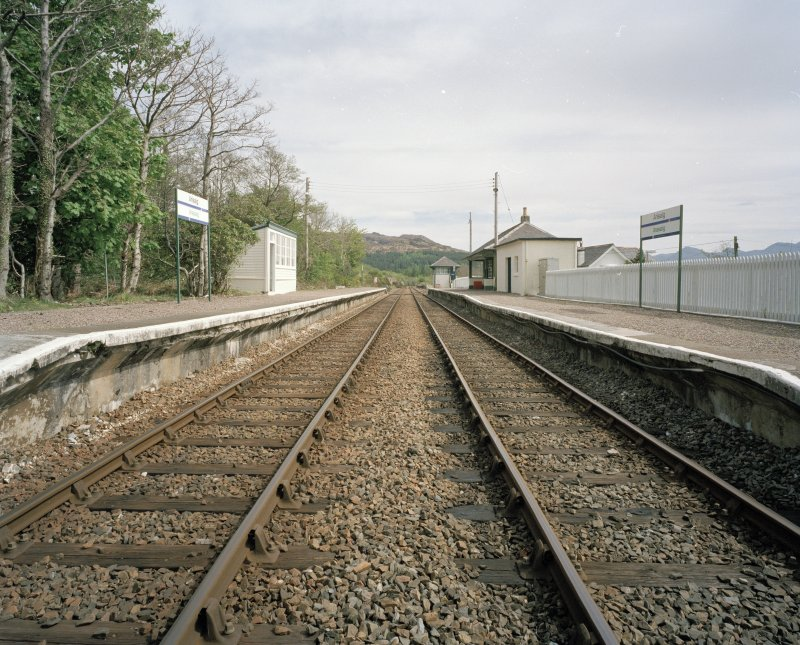 General view of station (including both platforms) from W