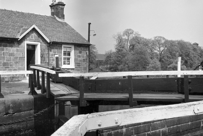 View of lock gates and the lock-keeper's cottage, Wyndford Lock, Forth and Clyde Canal, from west