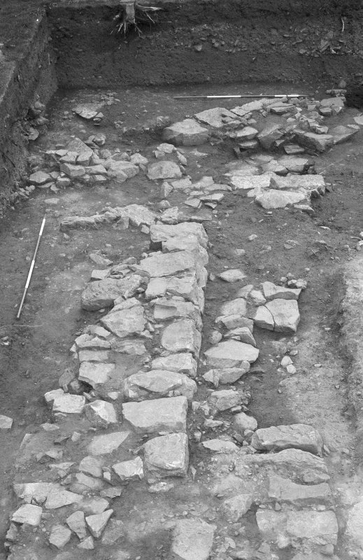 Jedburgh Abbey excavation archive Frame 32: Area 1: Trench J: Walls 194 and 960. From W.