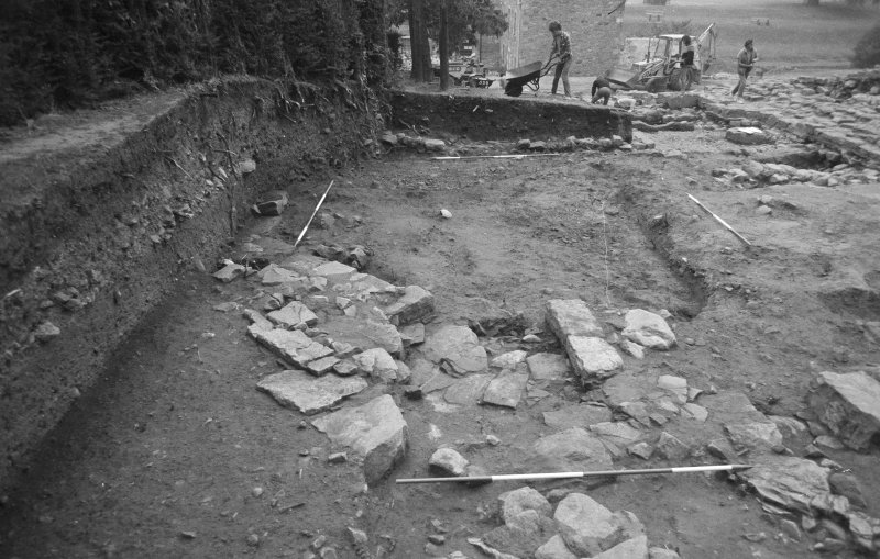 Jedburgh Abbey excavation archive Frame 24: Area 1: E end of extended Chapter House, showing Wall 960 and robber trench fro Wall 969. From N.