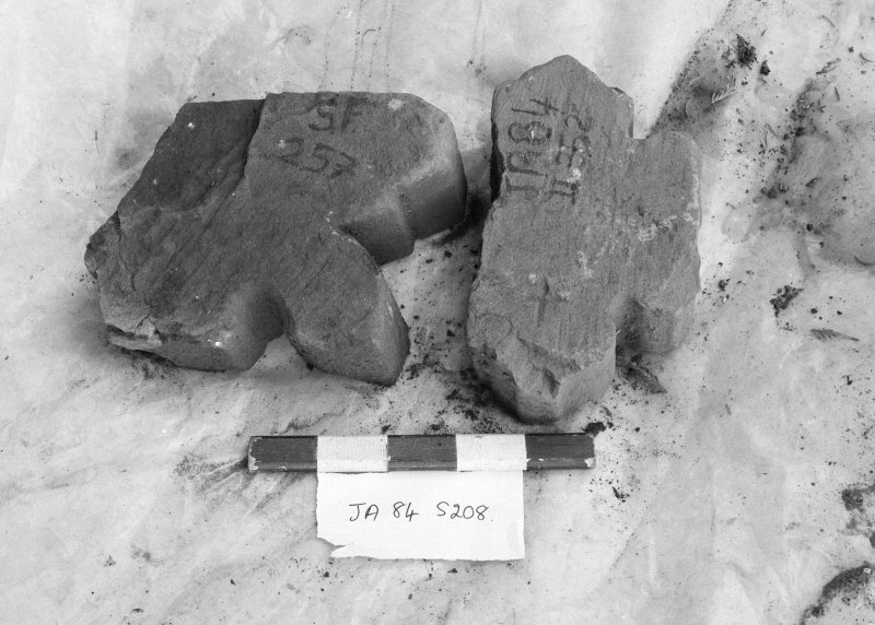 Jedburgh Abbey excavation archive Frame 22: Architectural fragment SF208