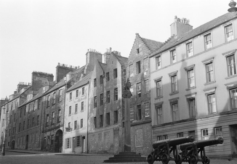 View of Broad Street, Stirling from south