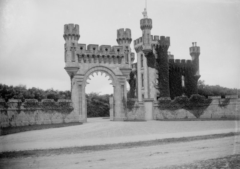 View of gateway and lodge, Thurso Castle