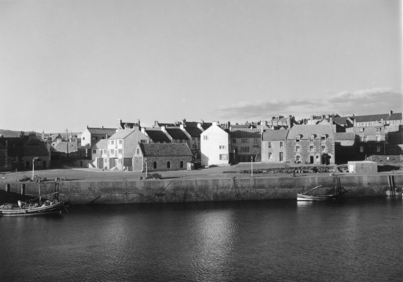 Dunbar, Victoria Street, Harbour Housing. Photographic view of Dunbar from harbour.