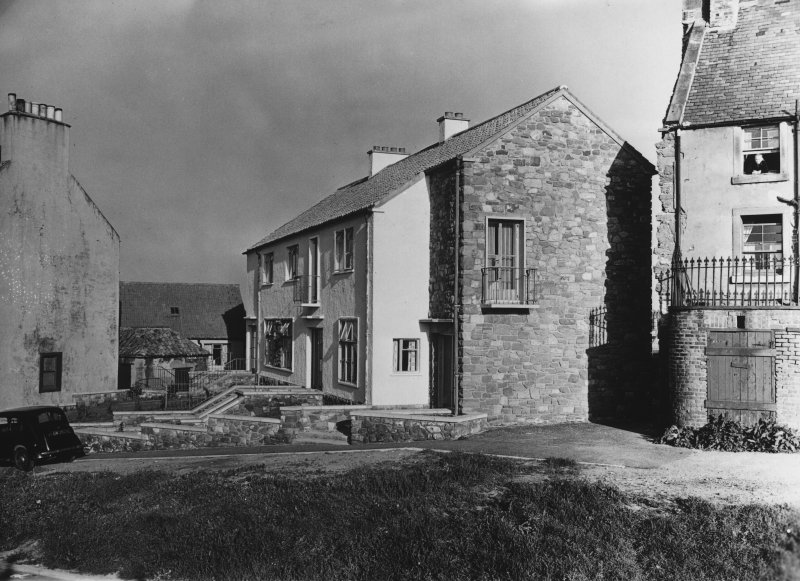 Dunbar, Victoria Street, Harbour Housing. Photographic view of new and existing housing.
