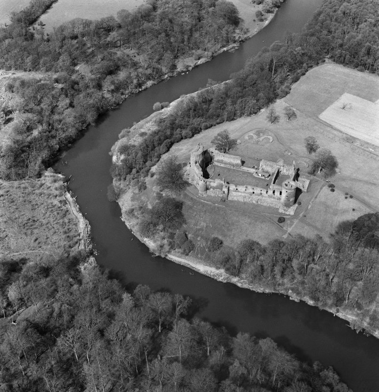 Oblique aerial view centred on Bothwell Castle.