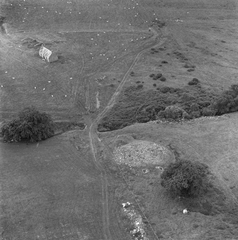 Oblique aerial view centred on Red Burn chambered cairn.