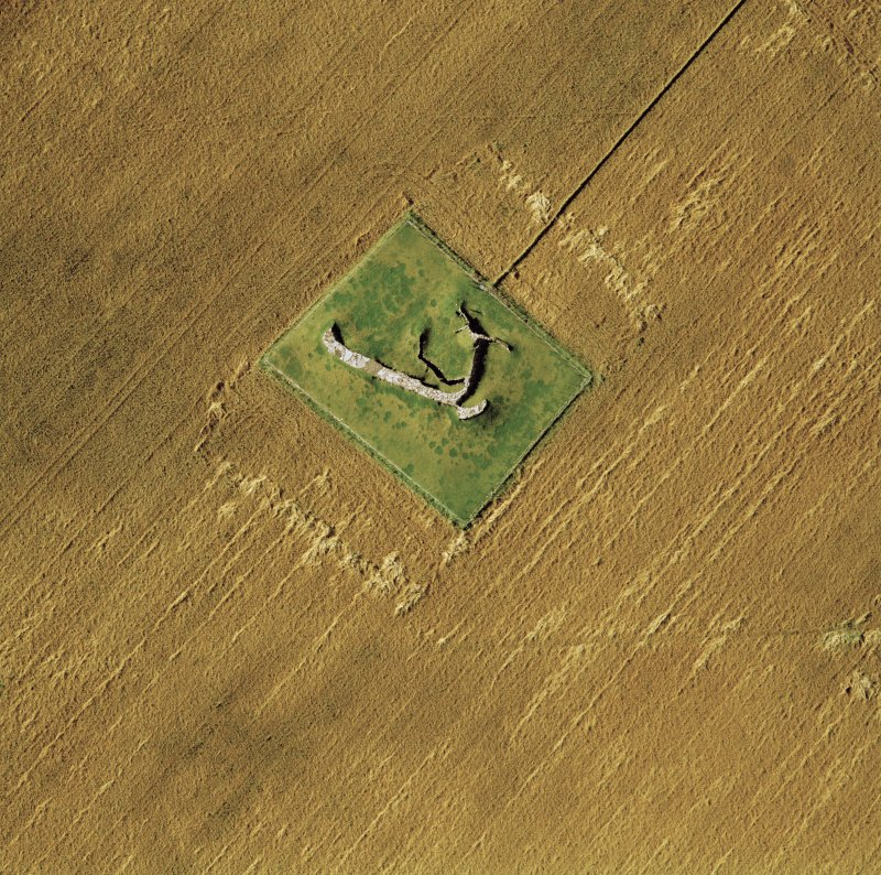 Oblique aerial view of the souterrain at Carlungie.