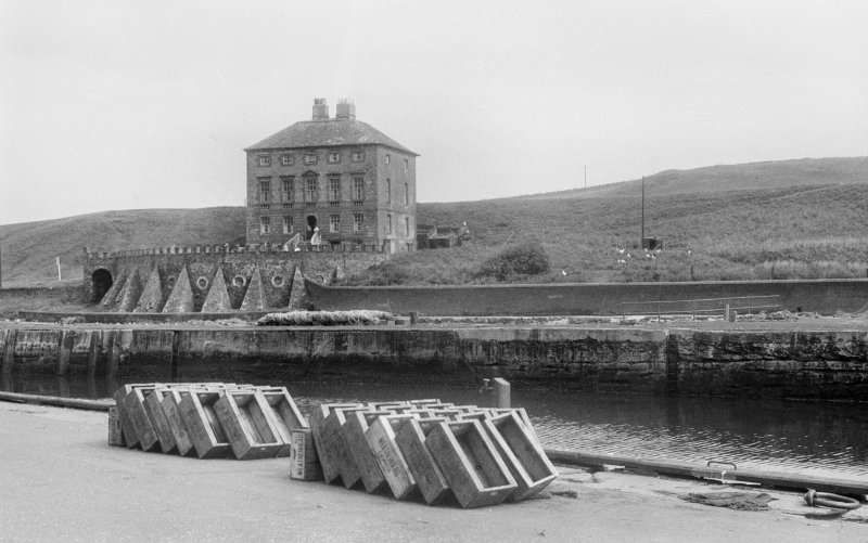 General view of Gunsgreen House, Eyemouth.