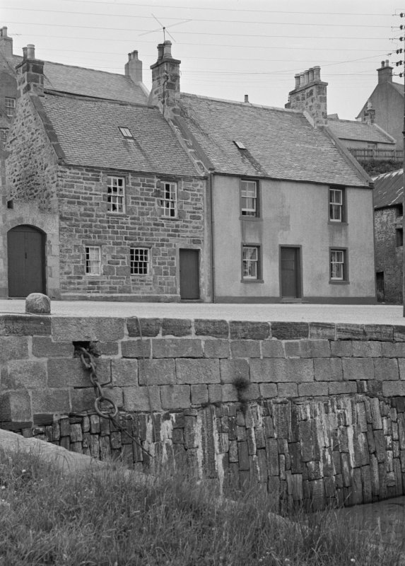 General view showing 7 and 9 Shorehead, Portsoy.