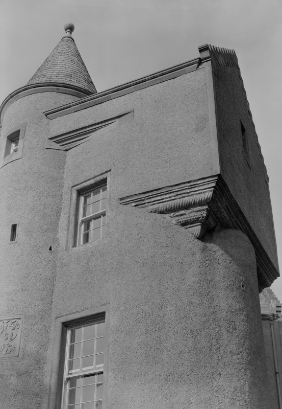 Detail of caphouse corbelling, Colliston Castle.