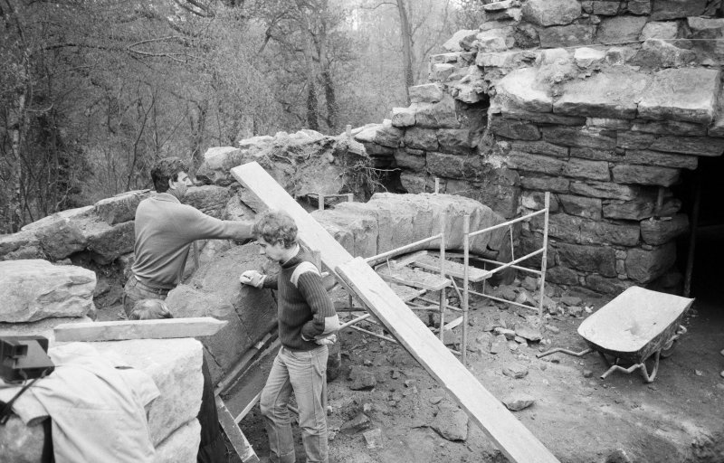 Craignethan Castle Excavations 1984 Frame 21- Installation of temporary support to allow demolition of arch of kitchen fireplace