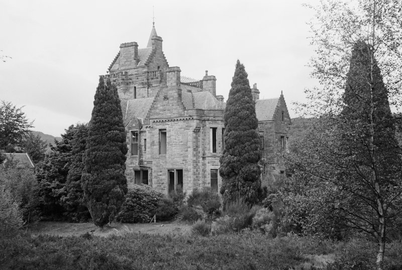 General view of St Mary's Tower, Birnam.