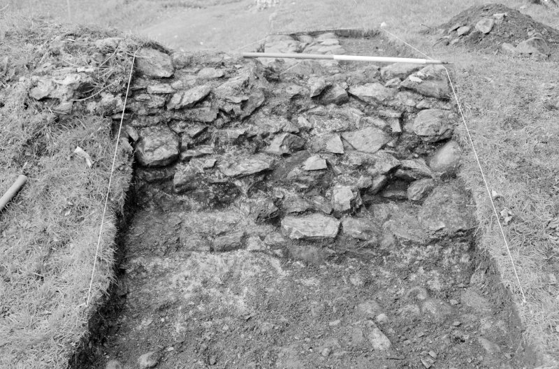 Inverlochy Castle Frame 11 - Trench B: east face of wall F305; from east