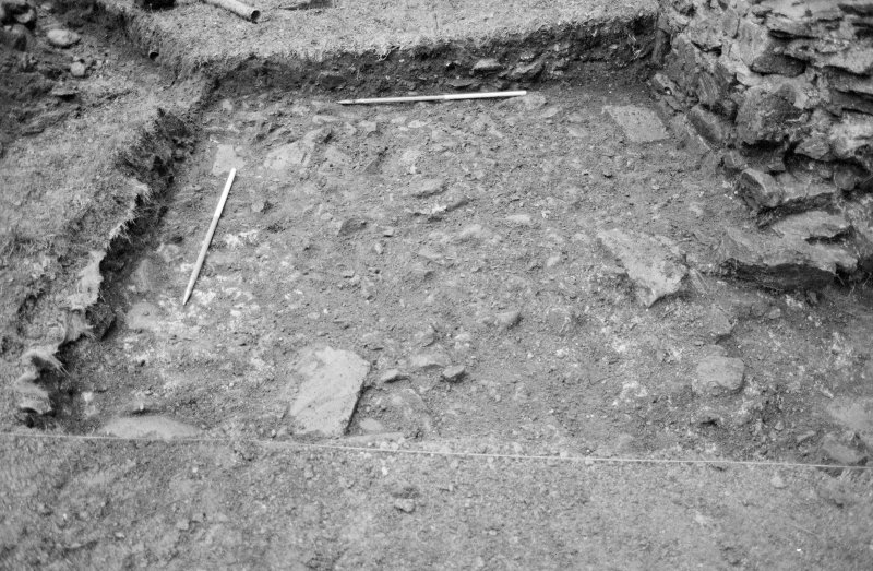 Inverlochy Castle Frame 11 - South end of seagate trench, showing F706/F707; from east
