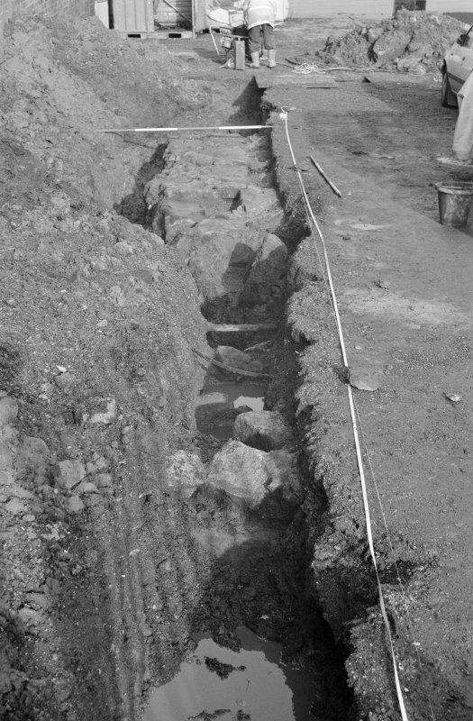 Newark Castle Frame 13 - Trench L excavated to required depth - from south