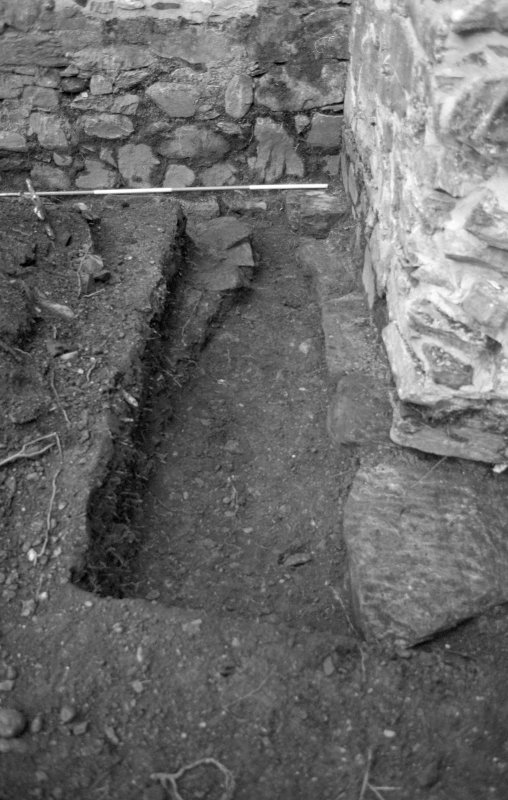 Rossdhu Castle Excavations, June and August/September 1996 Frame 2 - East arm of Trench 21 - from north