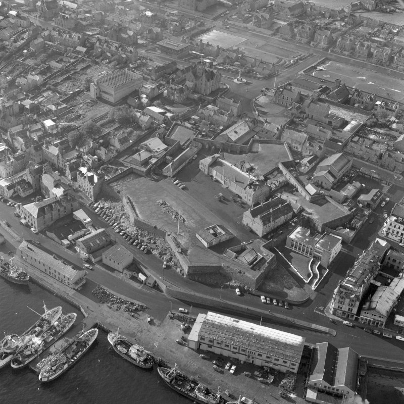 Oblique aerial view centred on Fort Charlotte, Lerwick.
