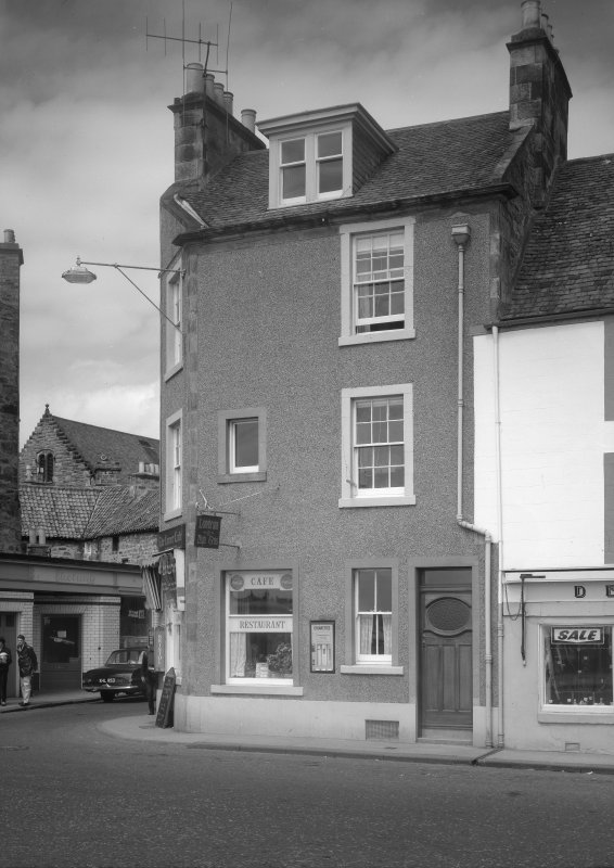 View 9 Shore Street, Anstruther Easter, from S, showing the Corner Cafe.