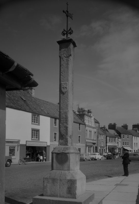 View of the Market Cross, Anstruther Easter, from W.