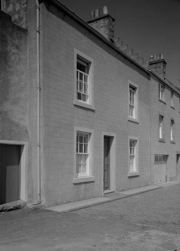 View of 4-6 Castle Street, Anstruther Easter, from SW.
