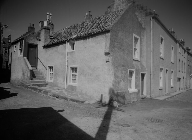 View of 6 and 7 Castle Street and corner of Wightman's Wynd, Anstruther Easter.