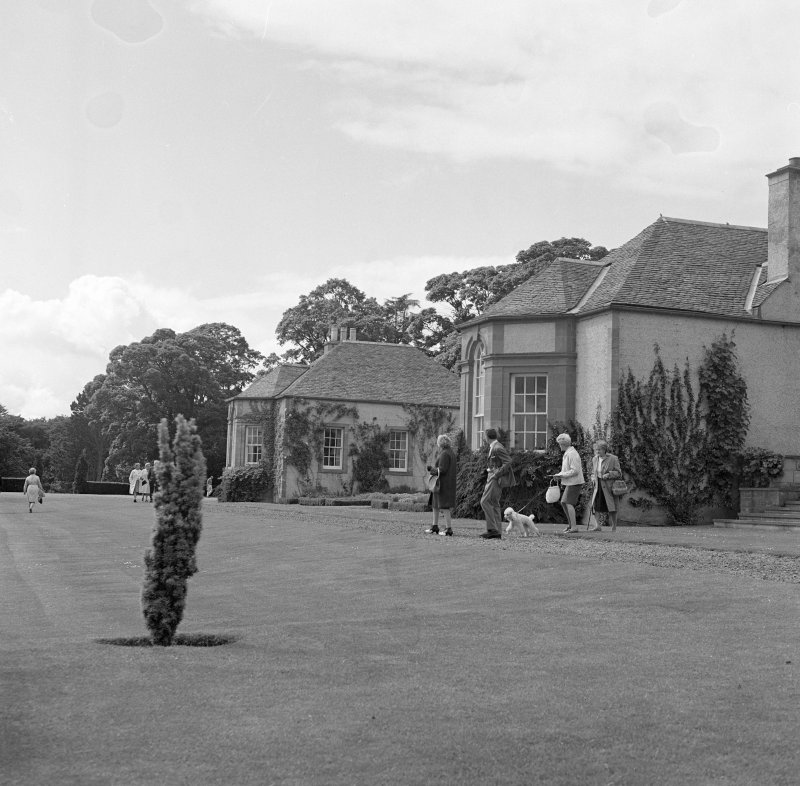 View of core former farmhouse and flanking wings from SE after Schomberg Scott remodelling.