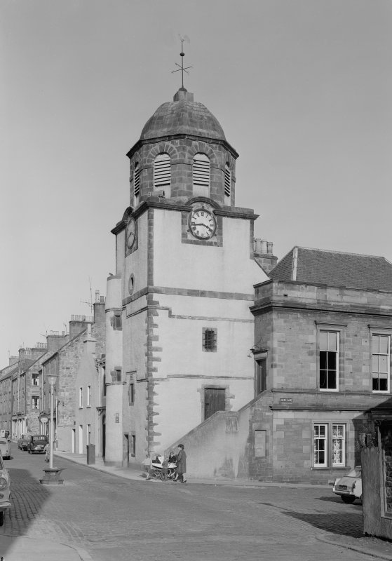 View of the Tolbooth, Dysart, from SW.