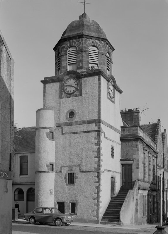 View of the Tolbooth, Dysart, from W.