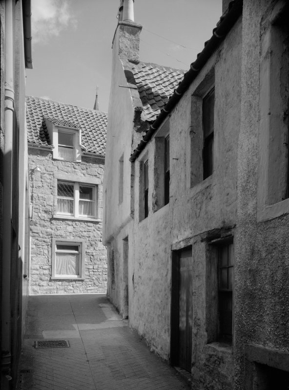 View opposite Haddfoot Wynd, Anstruther Easter, from E.