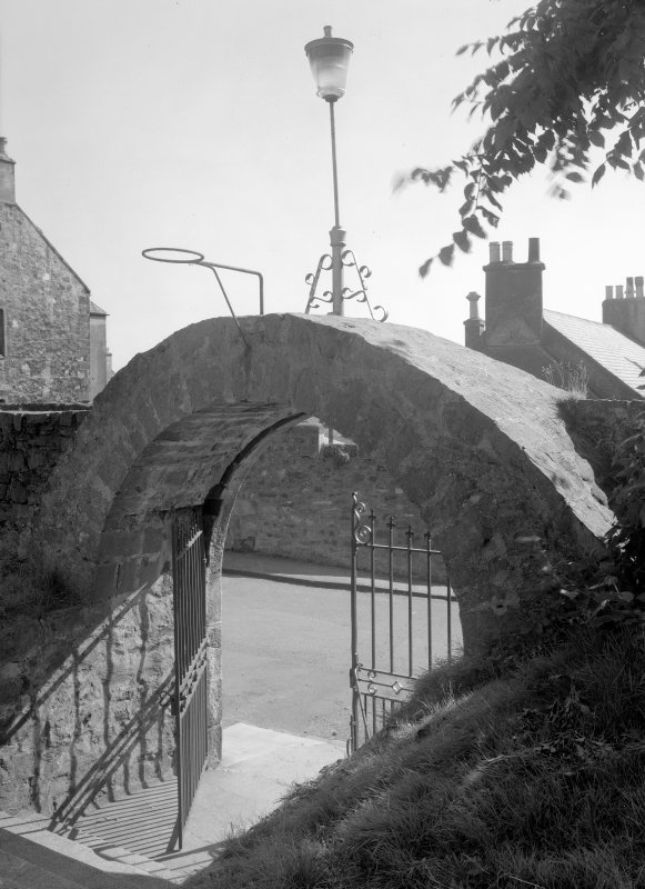 View of gateway to churchyard, St Adrian's Parish Church, Anstruther Easter.