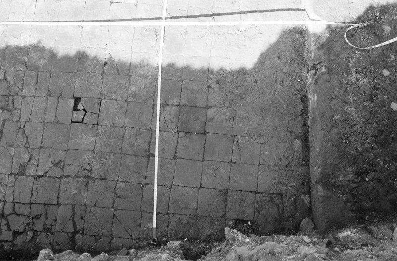 Excavation photograph : tile floor.