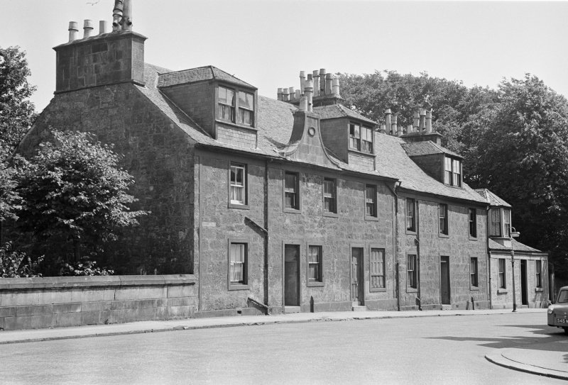 General view of 3, 5 and 7 Campbell Street, Johnstone, from NW.