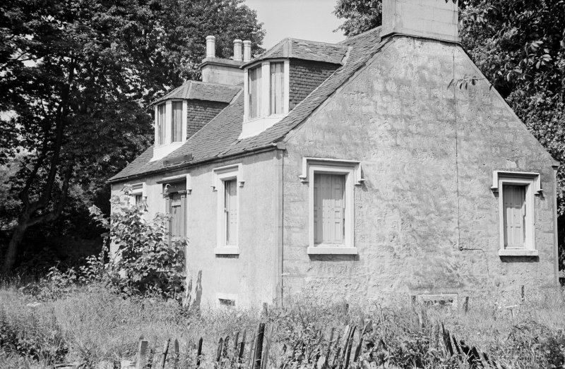 General view of Mavisbank Cottage, Dimity Street, Johnstone.