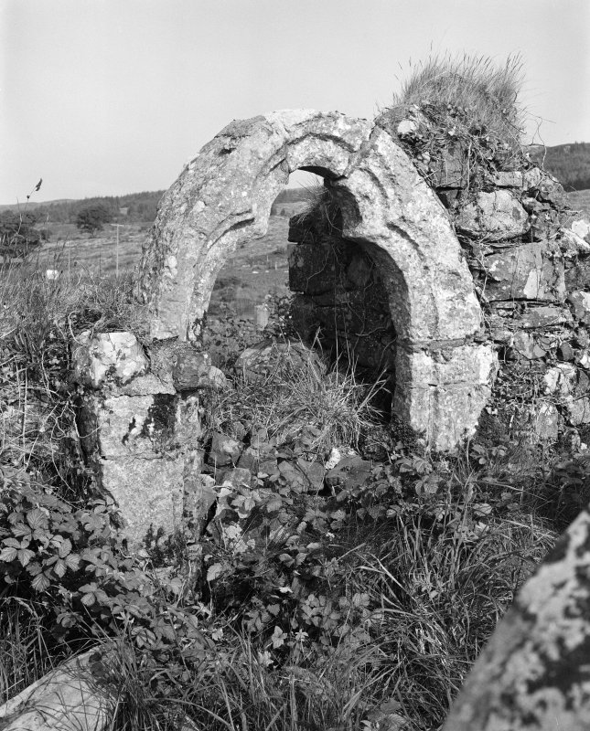 North burial aisle, detail of window arch