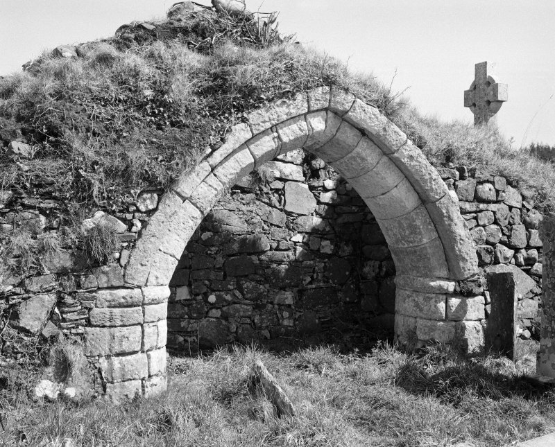 Large arch in south wall of north burial aisle; south doorway
