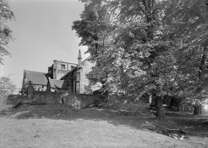 General view of Inchinnan Old Parish Church.