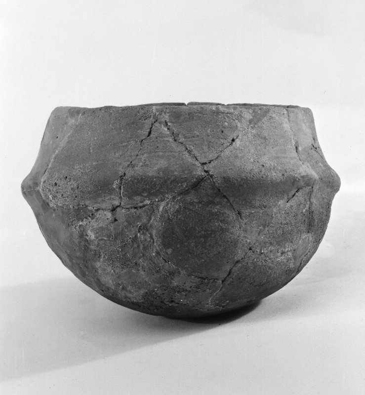 Beacharr, detail of round-bottomed carinated bowl from the middle burial-compartment.